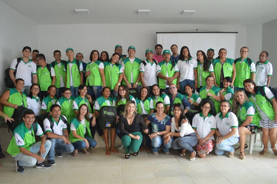 FUNCIONÁRIOS DA SAÚDE MUNICIPAL RECEBEM FARDAMENTOS E EPI S Os agentes de  saúde e de combate a edemias receberam novos uniformes e equipamentos de  uso e ... e21a8cfcc0